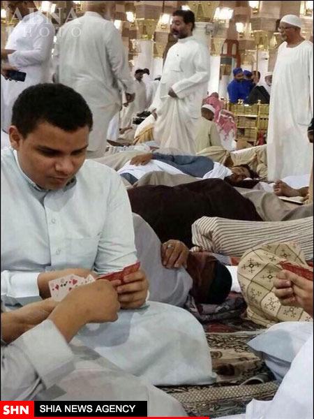پاسور بازی سعودیها در مسجد النبی(ص)  + تصویر