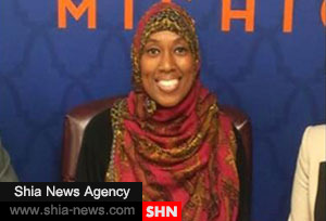 تعلیق مهماندار مسلمان آمریکایی