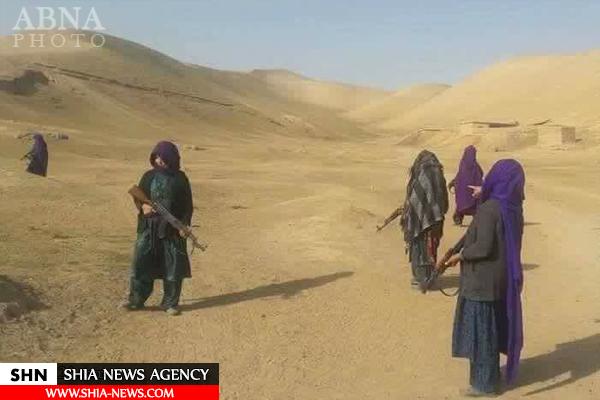 زنان شیعه افغانستان برای مقابله با داعش سلاح به دست گرفتند + تصاویر