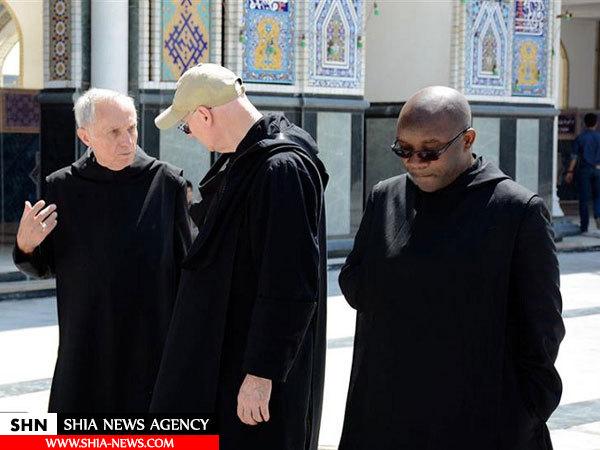 تصویر تشرف اسقفهای مسیحی به حرم مطهر رضوی
