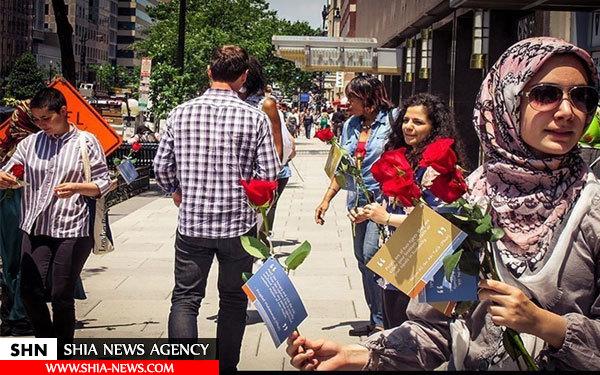 اهدای شاخه گل رز و پیام صلح و دوستی اسلام در قلب آمریکا