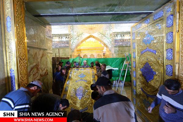 درب رواق امام هادی از سوی آستان مقدس عسکریین نصب شد