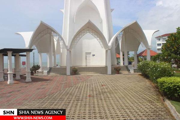 مسجدی شناور در مالزی