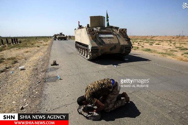 تصویر سجده شکر سرباز عراقی در الحویجه